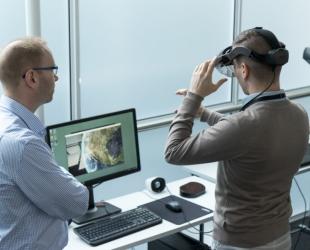 Virtuaalitodellisuus tuo konkarit aloittelijoiden avuksi huoltotöissä