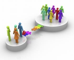 Kommentoi sähkötuotetietojen yhteensovittamista suunnittelijoiden, urakoitsijoiden ja rakennuttajien tarpeisiin