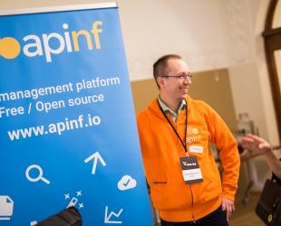 API:en kehitys ja hallinta